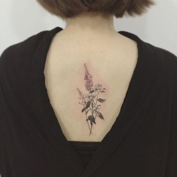 #tattoo#tattoos#tattooing#tattoowork#flowertattoo#tattooart#tattooartist#art#artist#타투#여자타투#꽃타투#컬러타투#타투이스트꽃#tattooistflower 탄생화와 어울러진 꽃 가지가지