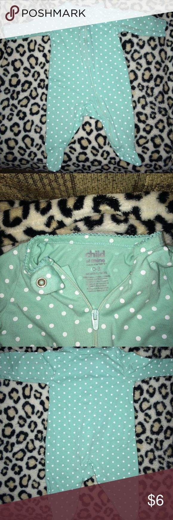 carters  teal and white polka dot footie pajamas carters infant teal and white polka dot footie pajamas Teal with white polka dots Thin breathable material  Long sleeve and zip up Size 0-3 months  Excellent condition Carter's Pajamas