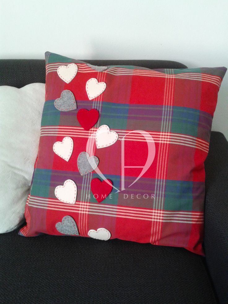 Cushion soft scottish cotton fabric with the application of felt hearts in red and gray beige finished with sewn in red thread. Size in cm: 45 x 45 cm