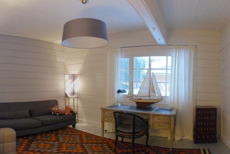 Int rieur d une maison en bois de la finlande chalet for Interieur maison en bois moderne