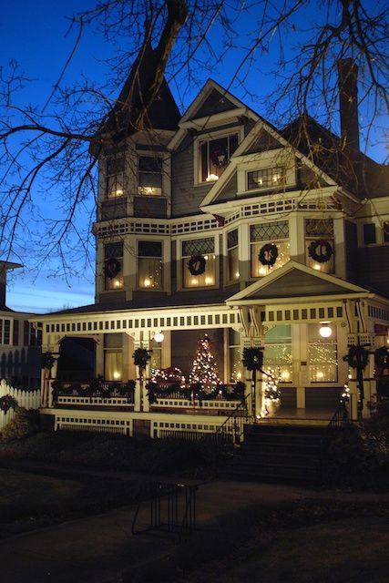 ALL DRESSED UP FOR THE HOLIDAYS...If you ever wondered what an old-fashioned Christmas really looked like, the Victorian House in Millersburg, Ohio will cure your curiosity. http://brucestambaugh.files.wordpress.com/2010/11/victorianhouseatnight.jpg