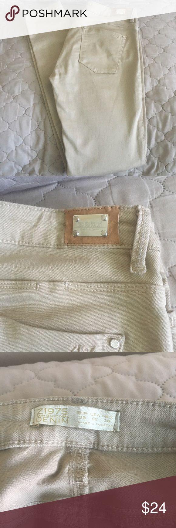 """Zara 1975 Tan Skinny Jeans Size 6. Tan khaki color.  Skinny fit w 5"""" cuffs.  Inseam 31"""", Outseam 41"""".  Minor flaws as shown- thread discoloration on belt loop and loose threads on pocket.  Otherwise, good condition. Zara Jeans Skinny"""