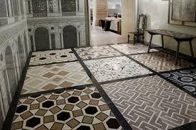 Картинки по запросу интересная комбинация из разных видов плитки на полу