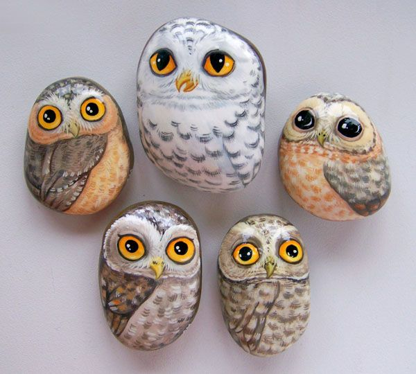 Art project idea for school - get the kids to bring in a medium sized rock of their choice - then encourage them to discover the forms inside the rocks, and what animal they might see emerge, and then paint it!