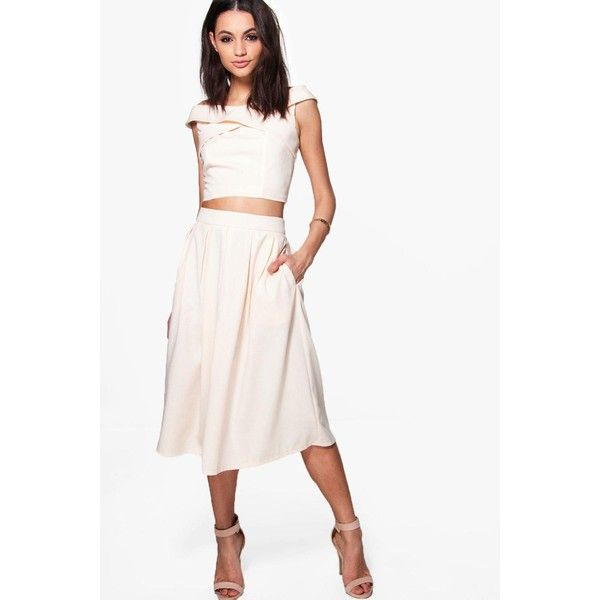 Boohoo Boutique Loren Box Pleat Crepe Skater Skirt ($30) ❤ liked on Polyvore featuring skirts, white maxi skirt, midi skirt, midi skater skirt, white mini skirt and flared maxi skirt