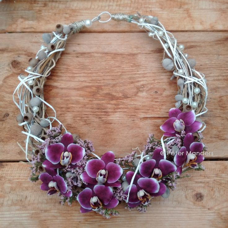 bloemen halssierraad / flower necklace
