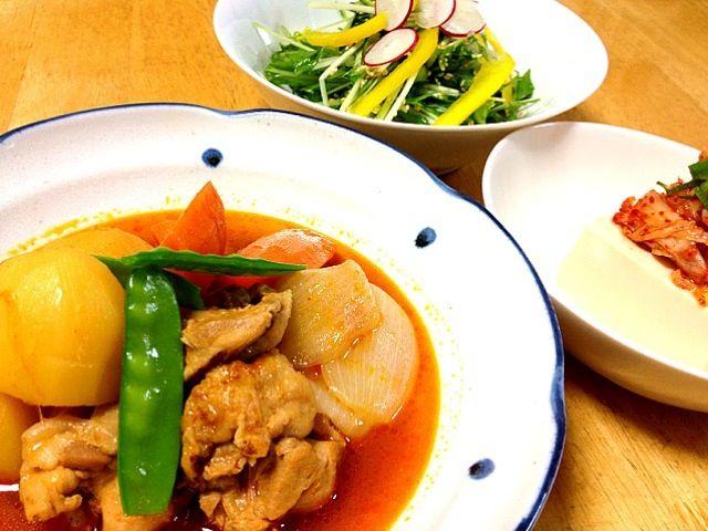 コチュジャンのピリッとした辛さが食欲をそそります(^_^) - 159件のもぐもぐ - 韓国風 鶏肉じゃが 水菜の塩ごま油 冷奴のキムチのせ by keiyan