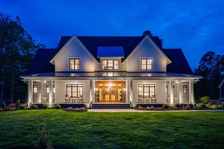Traditional Style House Plan 42698 With 4 Bed 4 Bath 3 Car Garage Farmhouse Plans Farmhouse Style House Plans Modern Farmhouse Plans Traditional style house plan 42698