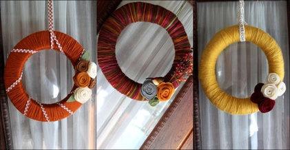 ...: Fall Front Porches, Crafts Ideas, Fall Crafts, Fall Yarns Wreaths, Front Doors, Fall Wreaths, Felt Flower, Diy Yarns, Wreaths Ideas