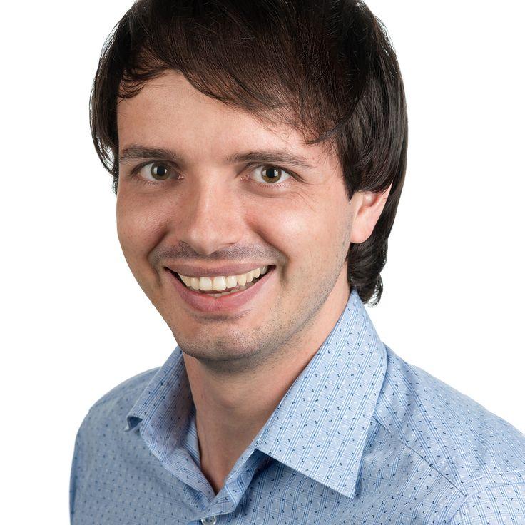 Adrian Petruțiu - Dentist - headshot, business portrait