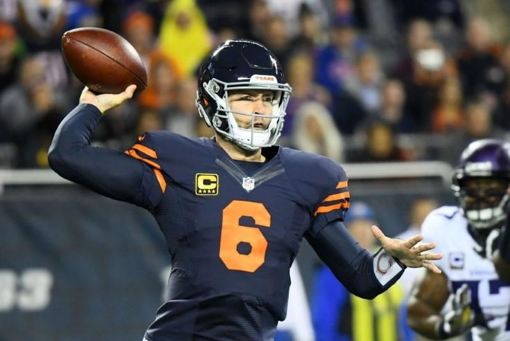 (The Sports Xchange) - Jay Cutler called an audible, agreeing to a contract with FOX Sports on Friday after a tepid free agent market helped guide the 34-year-old into broadcasting.Cutler's contract places him on the number two NFL broadcast team at FOX.