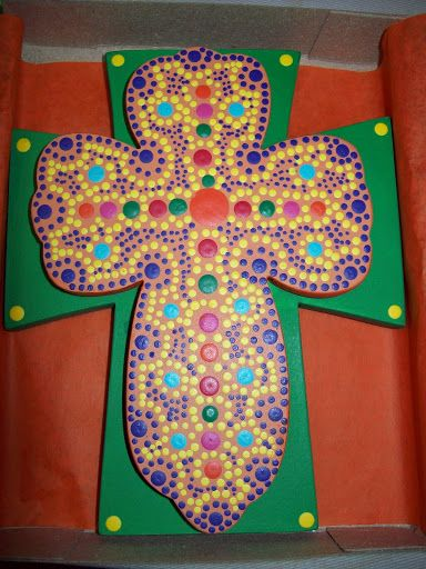 """""""CRUZ DOBLE"""" elaborada en madera pintada mediante técnica mexicana """"puntillismo""""..."""