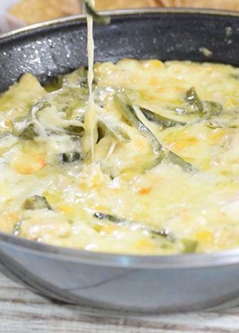 Receta para preparar queso fundido. Esta receta es una delicia y por nada del mundo debes de olvidarla, agrégala a tu recetario y sorprende a la familia.