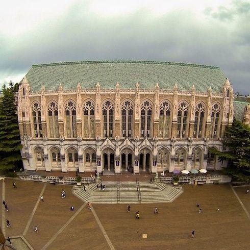 La Biblioteca Suzallo en la Universidad de Washington, Seattle - Seattle, Washington