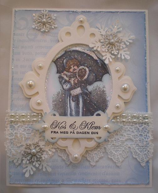 DT card for Kort og Godt by Iren S. Mikalsen. Image, dies, pearls and text from Kort og Godt.