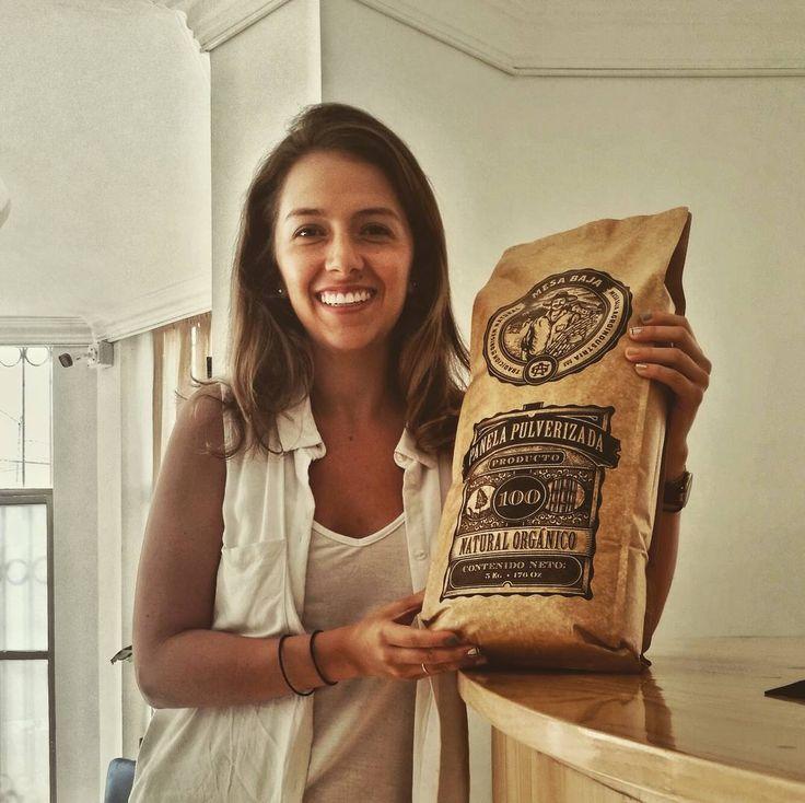 Nuevo integrante de @mesabajapanela  felices de comenzar nuevos proyectos PRESENTACIÓN INSTITUCIONAL 5 Kg  diseña tus bebidas y alimentos con el mejor #saborapanela de #colombia Haz tus pedidos.  #quindio #armenia #restaurantes #cafe #bebidas #sugarcane #fincas #hoteles #organico #organic #ventures #startup #startuplife #emprender