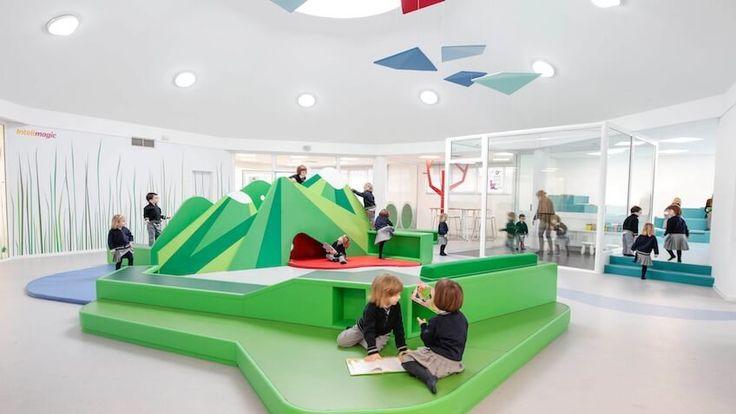 Escuela infantil española con diseño nórdico