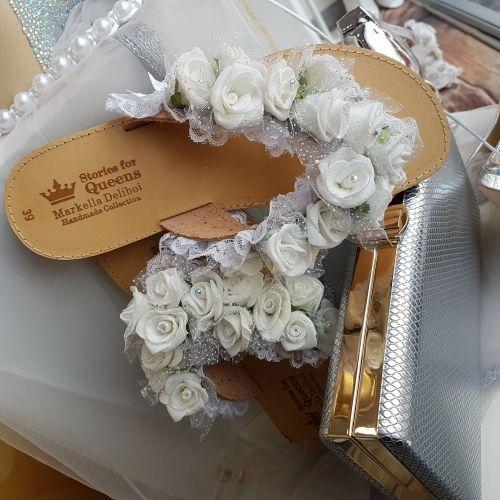 Χειροποίητα νυφικά σανδάλια στολισμένα με δαντέλες και άνθη  http://handmadecollectionqueens.com/νυφικα-σανδαλια-με-δαντελες-και-ανθη  #handmade #fashion #bridal #wedding #sandals #women #storiesforqueens #summer #χειροποιητο #γαμος #σανδαλια #γυναικα #μοδα