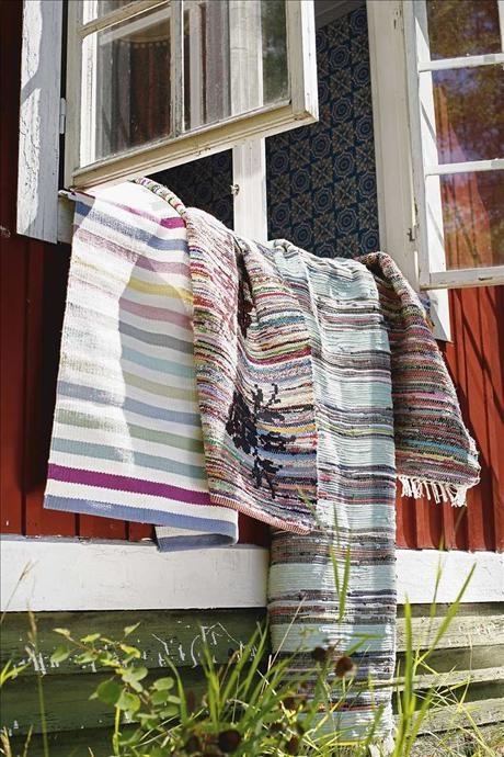 Multirandig bomullsmatta i ljusa pasteller, Anemon, 80x60 cm, 488 kr, Linum.  Trasmatta med screent...