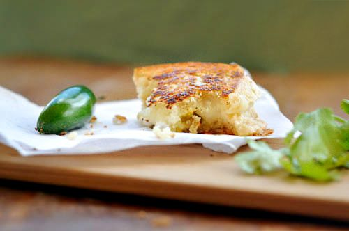 Grilled Cheese del Mar for a Sandwich Throwdown: Mars With Green, Del Mars With, Tasti Recipes, Green Chile, Chee Del, Grilled Cheeses, Grilled Chee Sandwiches, Cheese Del, Del Marwith