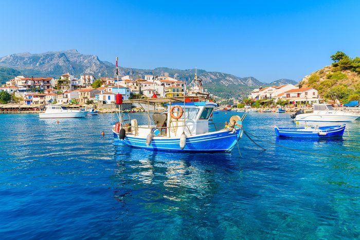 Ενα άγνωστο ελληνικό χωριό στα «διαμάντια» της Ευρώπης  thetoc.gr Πόλο έλξης στο Κοκκάρι αποτελούν τα καλοδιατηρημένα παλιά σπίτια,