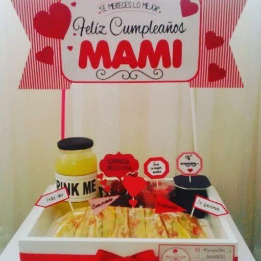Día muy especial con esta sorpresa en la puerta de su hogar a una madre hermosa en su cumpleaños. Gracias @lormariem89 por preferirnos. #desayuno #sorpresa #desayunoartesanal #desayunosorpresa #love #amor #regalo #fotodeldia #carupano #sucre #venezuela #pequiita_s