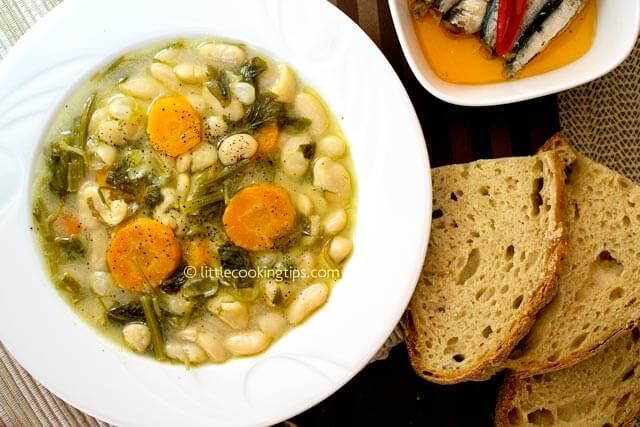 Traditional Greek white beans soup (Fasolada): A tasty and healthy vegan soup recipe