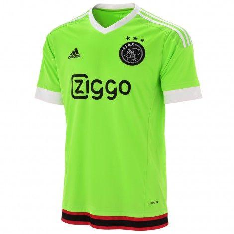 Ook voor de junioren is er een replica van het @adidas #Ajax uitshirt dat de spelers zullen dragen tijdens wedstrijden buiten de ArenA.