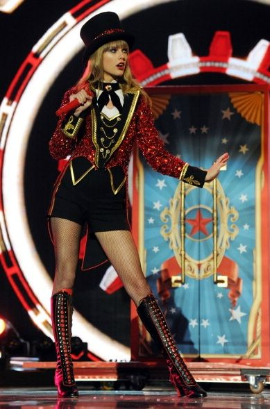 Taylor Swift - Red Tour 2013