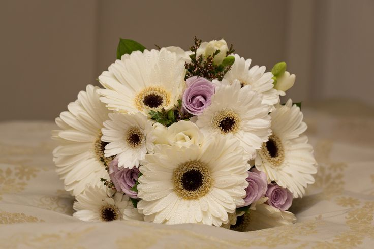 Mixed wedding flowers