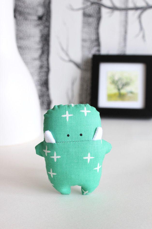 Dieses kleine Hosen-Taschen-Monster ist perfekt als Glücksbringer auf Reisen, bei Prüfungen oder einfach zum Verschenken an einen lieben Menschen.  Die passende Geschenkverpackung mit...
