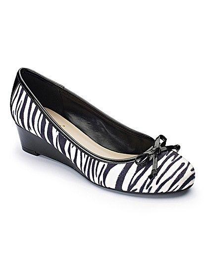 Lotus Low Wedge Shoes EEE Fit