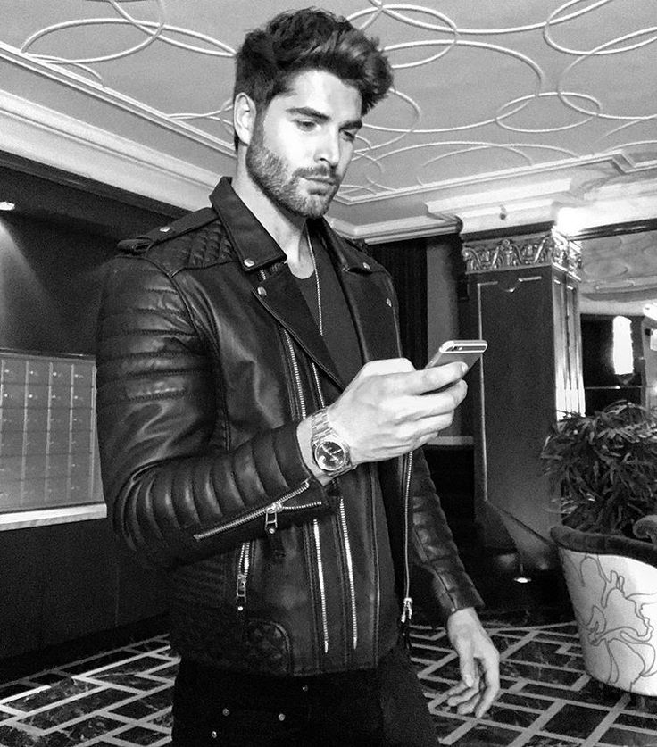 The Nick Bateman app is now Live! I will be doing a Q & A for over the next few hours then bringing you Live to the Gym with me for a workout! See you guys soon  Link in Bio