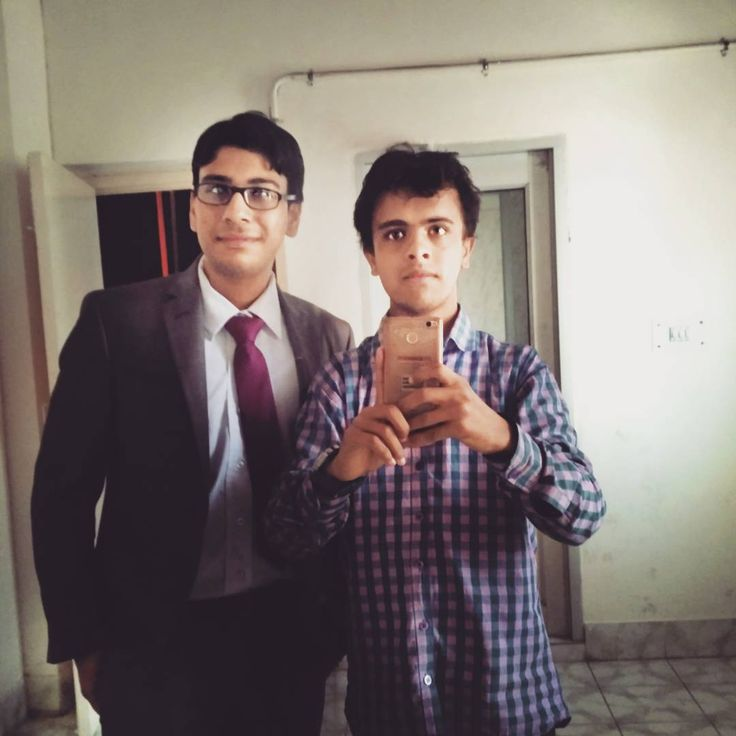 The one with CR Chicklu�� . . . . . #throwback #to #freshers #yugaantar #2k17 #formals #audi #mirror #selfie http://quotags.net/ipost/1485457892832518512/?code=BSdaBVPFSFw
