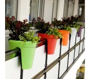 Marvelous Apartment Gardens #1: 6094d176ee7b45011d712e53974c10b7--small-balcony-garden-balcony-planters.jpg