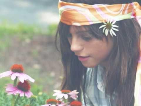 Rolling Stones - She's a rainbow   En klassikere som alle de andre, som fører mig tilbage til barndommen - en gang flower power altid flower power.