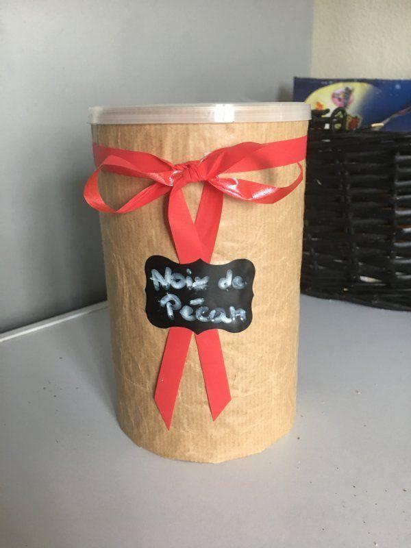 voici comment transformer une boîte de lait bébé en boîte à contenant pour mes noix de pécan !