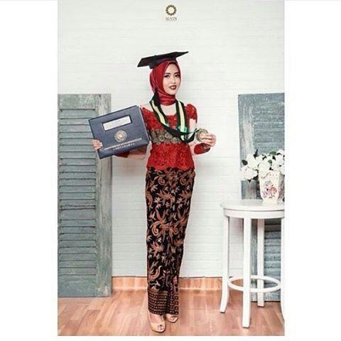 Model+Kebaya+Muslim+Wisuda+Sederhana.jpg (480×480)                                                                                                                                                     More