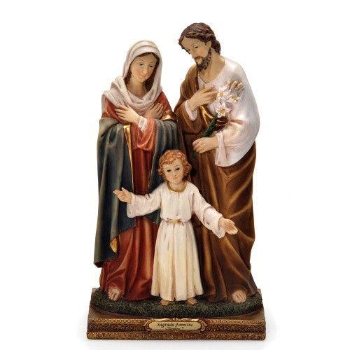 Sagrada Família, Holy Family, Святое семейство, 聖家, 聖なる家族, Kutsal aile, Sagrada Família de Nazaré