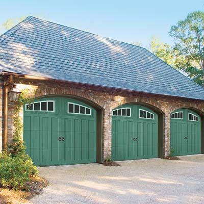 17 best images about garage doors on pinterest carriage for Porte cochere vs carport