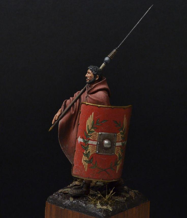 Completed Critique - Roman Legionnaire - Soldiers - 54mm   planetFigure   Miniatures