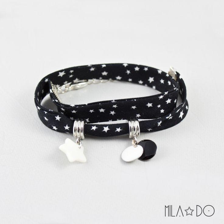 Bracelet biais noir à étoiles blanches