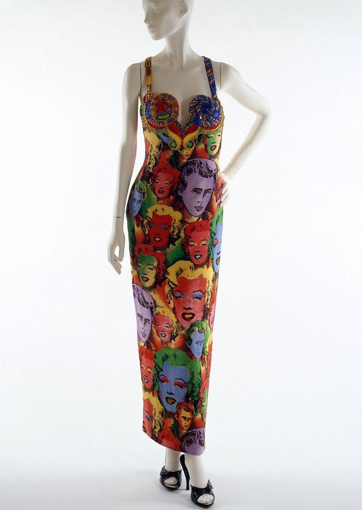 Кислотное платье Джанни Версаче