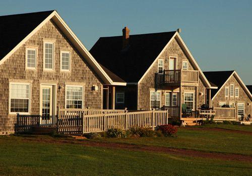 Driftwood cottages. quiet ocean front location