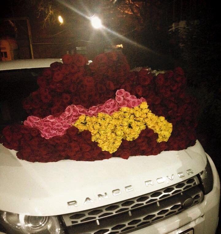 Range rover roses flowers evoque love