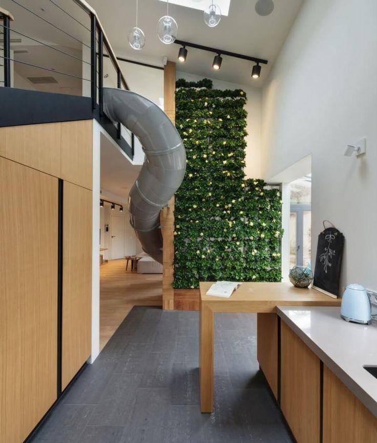 Эта современная квартира от Ki Design находится в Харькове, Украина. Пространство площадью 212 квадратных метров по желанию заказчика должно было превратиться в нечто с…