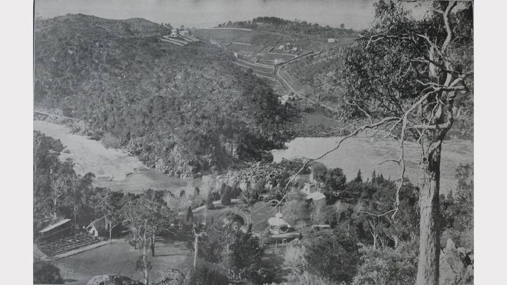 The cliff grounds,showing part of First Basin and Cataract Gorge and The Giants' Grave in Launceston,Tasmania in 1916.