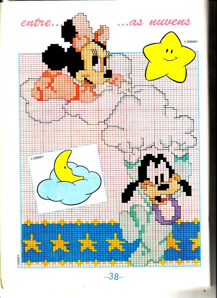 Bebê Minnie e Pluto bebê em nuvens