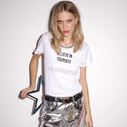 Nos encantan las #camisetas con mensaje de @pinkoofficial : Believe in yourself. You are beautiful. Su precio es de 115 euros. . #trendencias #streetstyle #moda #fashion #ootd #wiw #wiwt #style #lookoftheday #trends #tendencias #estilismo #pinko