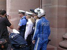 Polizeiuniform (Deutschland) – Wikipedia